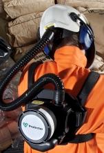 Zádový postroj pro nošení filtračně ventilační jednotky SCOTT TORNADO