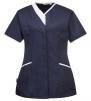 Pracovní blůzka PW Modern Style PES/BA dámská projmutá krátký rukáv šikmé kapsy kontrastní stojáček tmavě modro/bílá